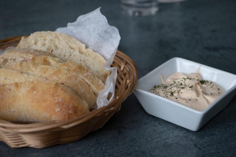 Taverna Kolossos Brot und Dip