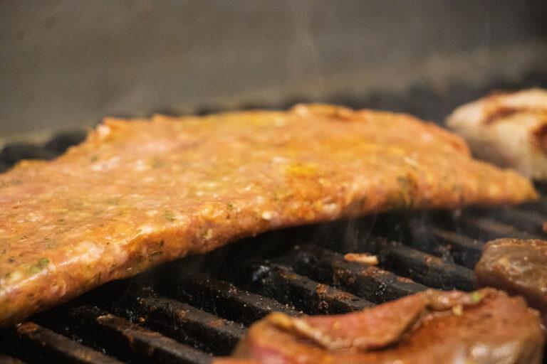 Taverna Kolossos Felsich auf dem grill
